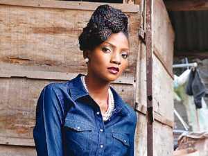 I am dating Ycee – Nigerian singer Simi
